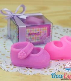 Sabonete Sapatinho de Bebê. Lindo Sabonete em formato de sapatinho de bebê. Lembrancinha ideal para nascimento, chá de bebê, maternidade.