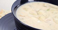 Szezonban főzz minél többször főzeléket újkrumpliból! Természetesen a tejföl és babér nem hiányozhat belőle. Cheeseburger Chowder, Soup, Mint, Soups, Peppermint
