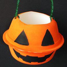 Trick-or-Treat! 15 Bag & Bucket Ideas: Pumpkin Goodie Bag (via Parents.com)