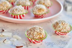 Fit recepty s ovsenými vločkami a vysokým obsahom vlákniny Good Health Tips, Types Of Food, Mini Cupcakes, Fitness Tips, Stevia, Health And Wellness, Muffin, Good Food, Low Carb
