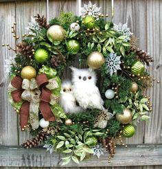 Belle décoration de Noël en forme de couronne