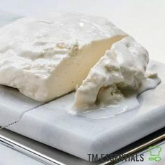 Making fresh cheese in your Thermomix® is easy and the taste is hard to beat. You just need a little time to let your feta cheese to mature. Using only 5 ingredients, it's time to get making some fresh feta cheese. Fresh Cheese Recipe, Feta Cheese Recipes, Cheese Dishes, Homemade Cheese, Thermomix Recipes Healthy, Savoury Recipes, Quirky Cooking, Australian Food, Australian Recipes