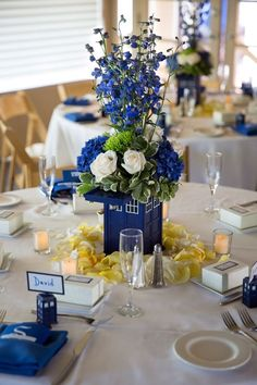 Dr Who geeky wedding centerpieces The Tardis, Tardis Blue, Wedding Centerpieces, Wedding Table, Wedding Reception, Wedding Decorations, Dr Who Decorations, Table Centerpieces, Wedding Arrangements