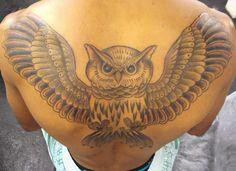 (3ª Parte - Finalizada) Tatuagem / Coruja / PB /  Costas / Tattoo / Eagle / Black and Grey / Back #studio900 #crismaia