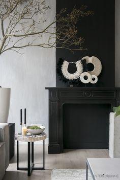 Modern Home Decoration .Modern Home Decoration Decor, Interior Decorating, Interior, Beautiful Interiors, Black Fireplace, Cottage Decor, Home Deco, Interior Art, Dark Interiors