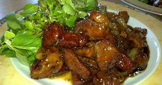 Μαζεύονταιφίλοιστοσπίτι!!Καλοκαίριασε!Κάθεσαιστηνβεράντα,πίνειςμπύραηκρασάκι..  Τοέναφέρνειτοάλλο( ανείναικαιπαγωμένο).... Greek Recipes, Pork Recipes, Chicken Recipes, Cooking Recipes, New Years Dinner, How To Cook Beef, Greek Cooking, Best Meat, Food Dishes