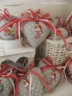 I have this linen and I can order the chart from etsy. I will be making these lovely ornaments!