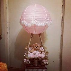 Hot air balloon baby arrangement