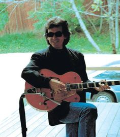 The Beatles and Beyond – George's Guitars Beatles Guitar, Les Beatles, Beatles Art, Beatles Photos, Gretsch, Ringo Starr, George Harrison, Paul Mccartney, John Lennon