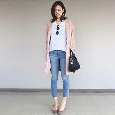 .  白いTシャツにクロップ丈ジーンズというシンプルカジュアルにピンクのコートを合わせたコーディネート  Photo by @aiminakawa   Top... #muji  Bottom... #uniqlo  Shoes... #diana  Outer... #zara   MINE公式アプリではファッションを中心とした動画を毎日更新中 プロフィールリンクからDLできます   ハッシュタグ#mineby3mootdを付けたコーディネートを募集中紹介させていただくことも  #mineby3mootd #MINEBY3M #ootd #outfit #fashion #coordinate  #instafashion #beaustagrammer #fashionista #outfit #igfashion #カジュアルコーデ #春コーデ #シンプルライフ #シンプルコーデ #プチプラ #海外風 #クールコーデ  #ママコーデ #お洒落さんと繋がりたい