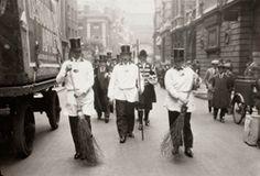 ARTIST: E.O. Hoppé TITLE: Worshipful Company of Vintners, Street Parade, London DATE: 1933