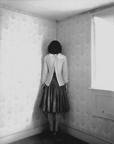 jessie mann (cara a la pared-castigo-deprivación sensorial)
