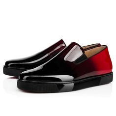 Christian Louboutin United States Official Online Boutique - Boat Man Flat Noir/Rouge Patent Leather available online. Discover more Men Shoes by Christian Louboutin Mens Red Shoes, Trendy Mens Shoes, Best Shoes For Men, New Shoes, Men's Shoes, Shoe Boots, Flat Shoes, Dress Shoes, Baskets