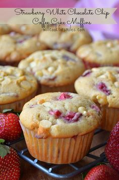 Strawberry White Chocolate Chip Coffee Cake Muffins from willcookforsmiles.com | #strawberry #muffins