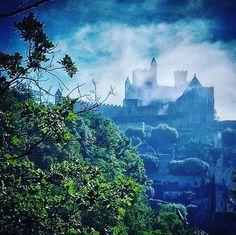 Quel est ce magnifique château 🏰? Venez nous voir en Dordogne ✈️ Credit photo: Jordan Burlot Photo  #chateau #castle #dordogne #perigord #aquitaine #nouvelleaquitaine #france #photography #photooftheday #pictureoftheday #picoftheday #instagood #instatravel #awesome #travel #travelgram #traveling #trip #magic #merveillesdefrance #france4dreams #bestdestination #amazing #photo
