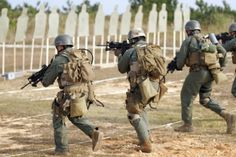 Usmc Recon, Marine Recon, Marine Corps, Military Police, Military Art, Special Forces Gear, Military Pictures, War Photography, Us Marines