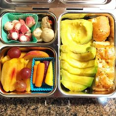 I made lunch for myself in my @planetbox for Monday! I have a ginormous avocado half from the farmers' market, half an onion roll, jamon-wrapped cheese, marinated mushrooms, organic baby carrots, and a peach. #foodporn #organic #organicfood #healthy #healthyfood #healthymom #healthylife #healthyeating #Healthyfamily #instafood #instagood #eatyourveggies #eattherainbow #cleaneats #cleaneating #avocado #healthychoices #picoftheday #foodpic #foodie #eeeeeats #feedfeed #yum #healthymeals…