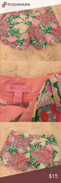 Lilly shorts Buttercup scallop shorts perfect condition like-new size 0 Lilly Pulitzer Shorts