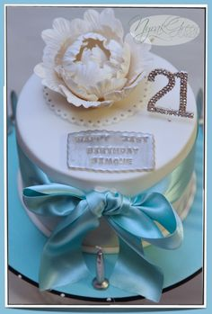 Tiffany & Co inspired 21st birthday cake with mini cupcakes