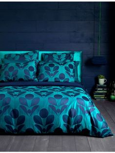 Make a statement with Petals. 100% cotton bedding set from the Secret Linen Store.