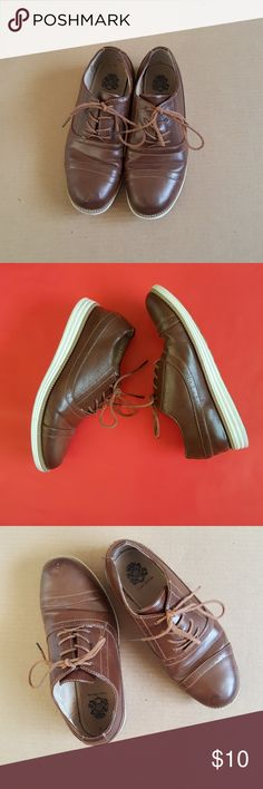 Boys English laundry size 3 dress shoes Boys pre owned English laundry size 3 dress shoes. Rubber soles in good condition comfortable for wide foot. English Laundry Shoes Dress Shoes