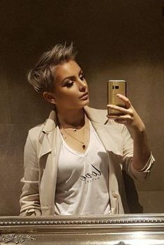 Frisuren kurze haare brille Dunk Tanks Article Body: Dunk tanks, also referred to as dunking tanks o Edgy Short Hair, Pixie Haircut For Thick Hair, Longer Pixie Haircut, Short Hair Undercut, Short Hair Cuts For Women, Long Hair Cuts, Pixie Haircuts, My Hairstyle, Cool Hairstyles
