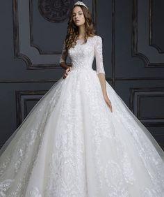 Смотришь профиль бутика @irinalux_moscow и поражаешься. как девушки, становясь невестами могут превращаться в настоящих принцесс! Платья из @irinalux_moscow творят чудеса! Информация для наших невест: вам подберут платье под любой бюджет, все модели в наличии, и при этом возможен пошив платьев по индивидуальным меркам. Телефон: 8-495-743-40-10