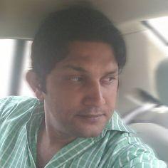 Ranveer Singh, Ranbir Kapoor, Shahrukh Khan, Iphone Uk, Apple Iphone, Sonam Kapoor Wedding, Online Savings Account, Wedding Outfits For Groom, Race 3