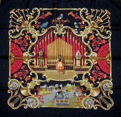 Orgauphone et Autre Mechaniques Hermes Jacquard silk...Black border...musical treble clefs design