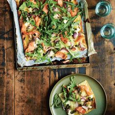 Geen tijd om een lekkere en gezonde maaltijd in elkaar te draaien? De handige producten van Jamie en Jumbo, helpen je uit de brand! Met een paar simpele handelingen zet jij zo een lekkere maaltijd op tafel. 1 Verwarm de oven voor op 220 °C....