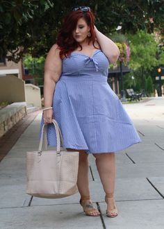 Plus Size Hamptons Vibes| Blogger Curves, Curls and Clothes