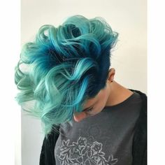 10 best mermaid hair ideas - mermaid hair color inspo pics h Black Haircut Styles, Cool Hair Color, Pretty Hairstyles, Cute Hairstyles For Medium Hair, Short Hair Cuts, Short Dyed Hair, Hair Inspiration, Hair Inspo, Curly Hair Styles