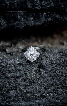 So in love with this unique engagement ring! Vintage and gorgeous.