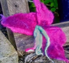Lilly Flower for dress, jacket or hair clip. Hand made felted. Lilly Flower, Send Flowers, Flower Brooch, Brooches, Hair Clips, Presents, Plants, Pink, Free