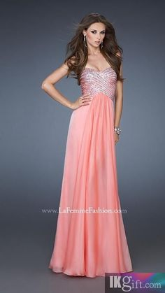 I really like the bodice on this dress. And it doesn't have ugly, cheap looking fabric like so many other prom dresses.