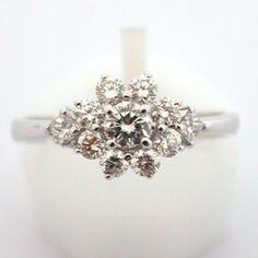 Bague de fiançailles en or blanc et diamants. VENDUE ! #bague #vintage…