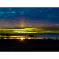 It's 4 o'clock which means #sunset time in #yeg. #exploreedmonton #explorecanada #lifeincanada #travelalberta #unlimitedcanada #adorablecanada #peerlesspixel #viewbugfeature #myphotocrowd #edmontonliving #LDHoliday