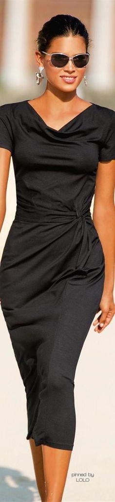 Chic In The City- Madeleine | LadyLuxuryDesigns Office Fashion, Fashion Mode, Love Fashion, Womens Fashion, Dress Black, Little Black Dresses, Small Waist, Lbd, Traje Formal
