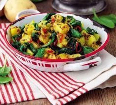 Saag aloo Bbc Good Food Recipes, Indian Food Recipes, Vegetarian Recipes, Cooking Recipes, Healthy Recipes, Ethnic Recipes, Healthy Food, Healthy Eating, Vegetarian Curry
