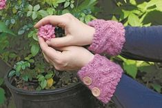 Free Knitting Pattern - Wrist Warmers