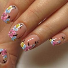 25 Trendy Floral Nail Art Designs for Summer Fancy Nails, Cute Nails, Pretty Nails, Flower Nail Designs, Cool Nail Designs, Spring Nail Art, Spring Nails, Beautiful Nail Art, Gorgeous Nails