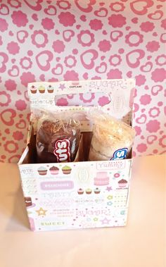 Recycle your old drink carriers into Treat Carriers!    Put in donuts and milk, coffee and cupcakes and hand out! Easy and awesome carriers! Create for any occassion!