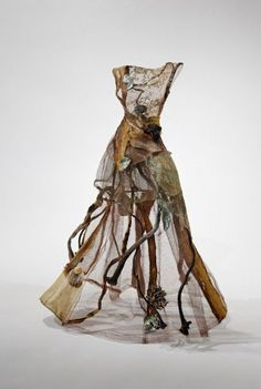 Christina Chalmers #art #sculpture http://artsyforager.wordpress.com/2011/10/06/deconstructing-beauty/