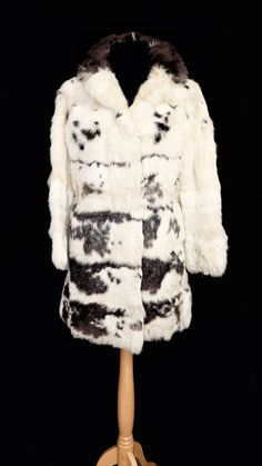 89fefca0cb7f2 Vintage rabbit black and white cosy real fur coat jacket.X-small size petite  fur coat winter wedding winter coat vintage wedding ww2 bridal