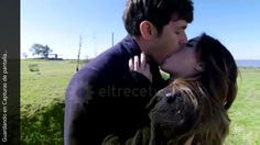 Tomas (Mariano Martinez) y Julia (Lali Esposito) se besan por primera vez. By far the best first kiss I've seen in my life!