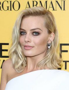 """Margot Robbie, at the premiere of """"The Wolf of Wall Street"""" according to beautyhigh.com"""