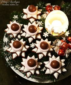Recepty Archives - Strana 17 z 38 - Meg v kuchyni Christmas Cookies, Christmas Wreaths, Cookie Recipes, Gingerbread, Goodies, Sweets, Table Decorations, Holiday Decor, Food