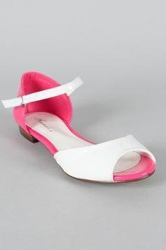 Breckelle Becky-38 Two Tone Peep Toe Flat Sandal $18.20