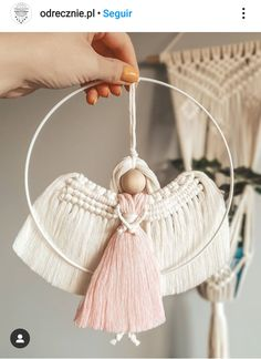 Macrame Knots, Macrame Jewelry, Pink Christmas, Diy Christmas Ornaments, Macrame Supplies, Macrame Wall Hanging Diy, Crafts To Make, Arts And Crafts, Angel Crafts