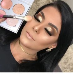 Read information on eye makeup tips & techniques Bridal Eye Makeup, Gold Eye Makeup, Wedding Makeup Looks, Natural Eye Makeup, Eye Makeup Tips, Glam Makeup, Makeup Inspo, Makeup Inspiration, Hair Makeup